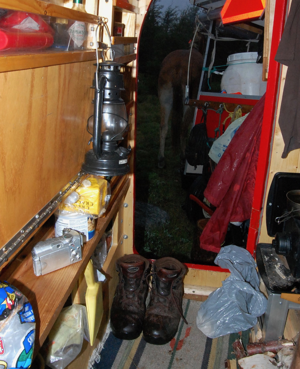 bernie harberts  wagon kerosen lantern